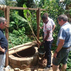 Getting water, Yaoundé